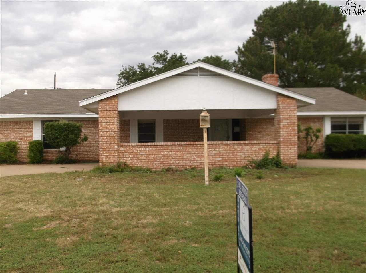 1066 JAN LEE DRIVE, Burkburnett, TX 76354