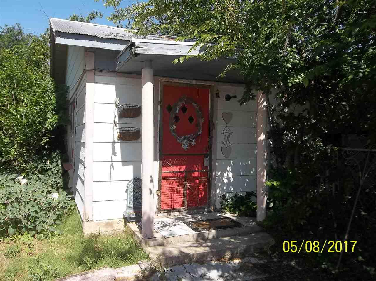 707 W 3RD STREET, Burkburnett, TX 76354