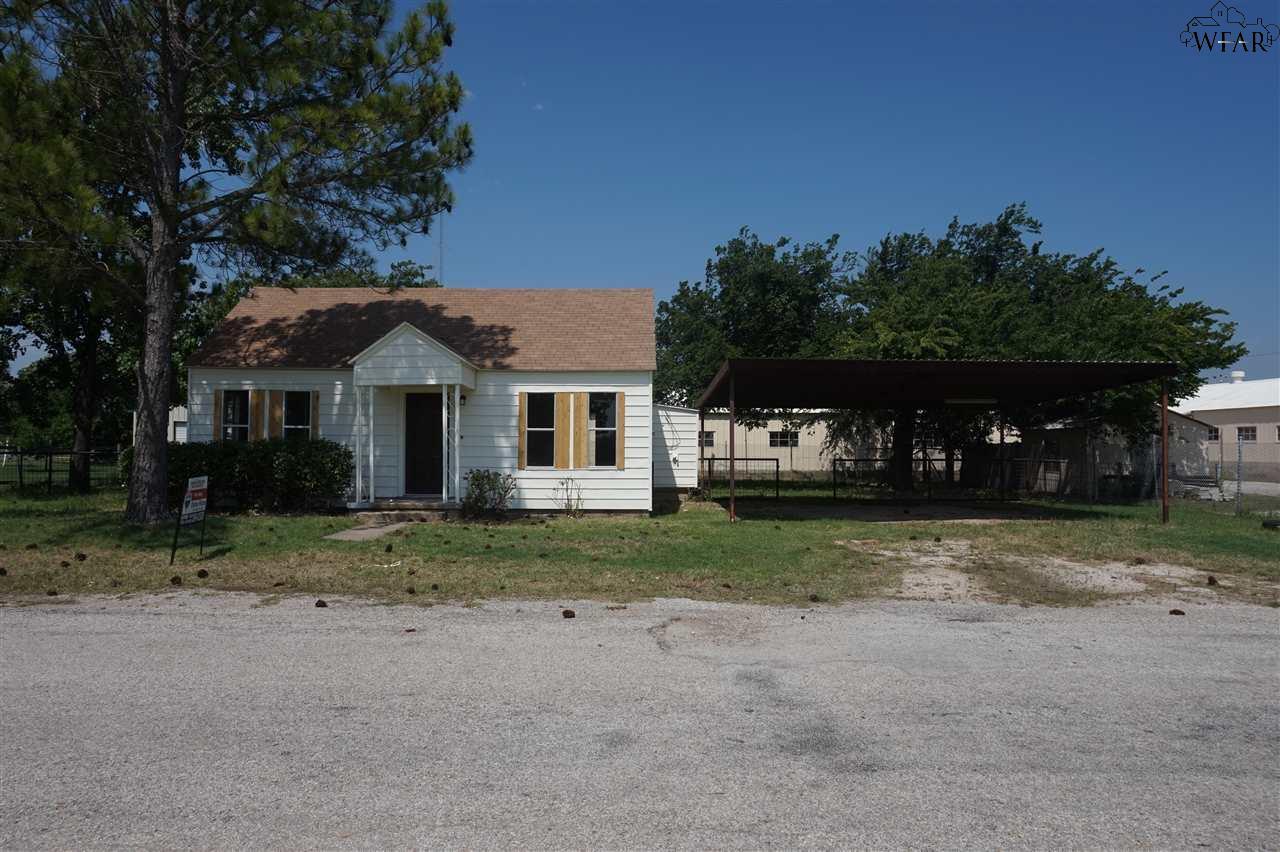 409 N HAMMOND ROAD, Henrietta, TX 76365