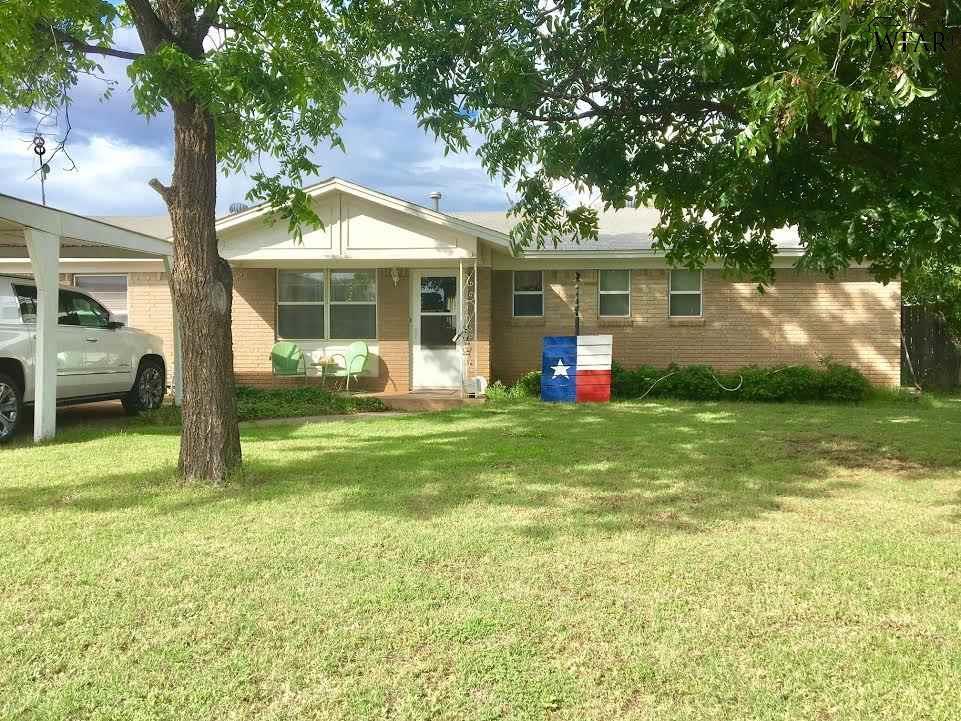 1006 WEST HIGHWAY, Iowa Park, TX 76367