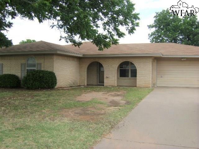 1325 AMHERST STREET, Burkburnett, TX 76354