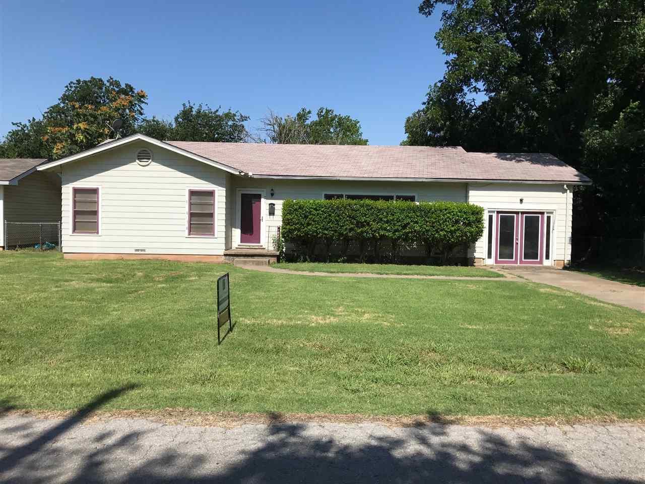 405 ROBERTS STREET, Burkburnett, TX 76354