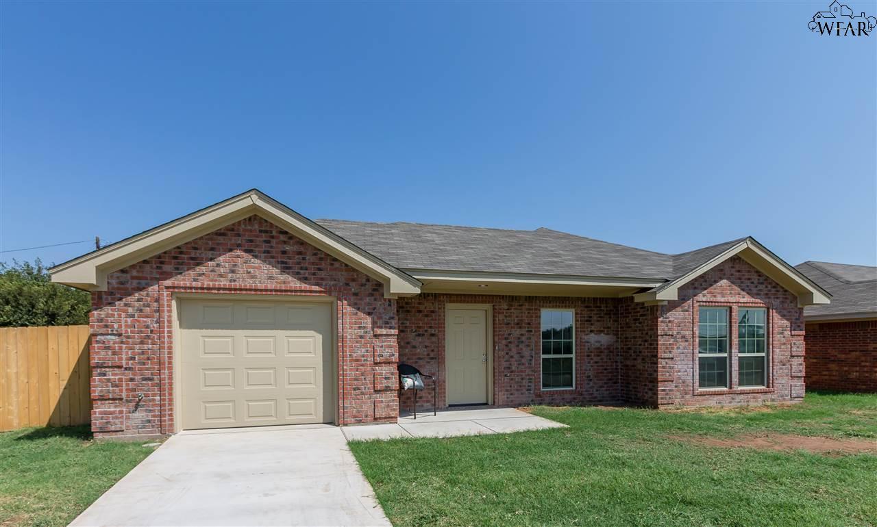 1207 NEWMAN AVENUE, Iowa Park, TX 76367