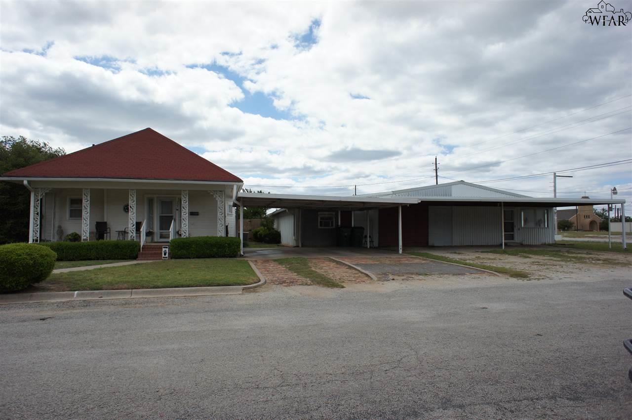 615 E OMEGA STREET 207 S. Harston, Henrietta, TX 76365