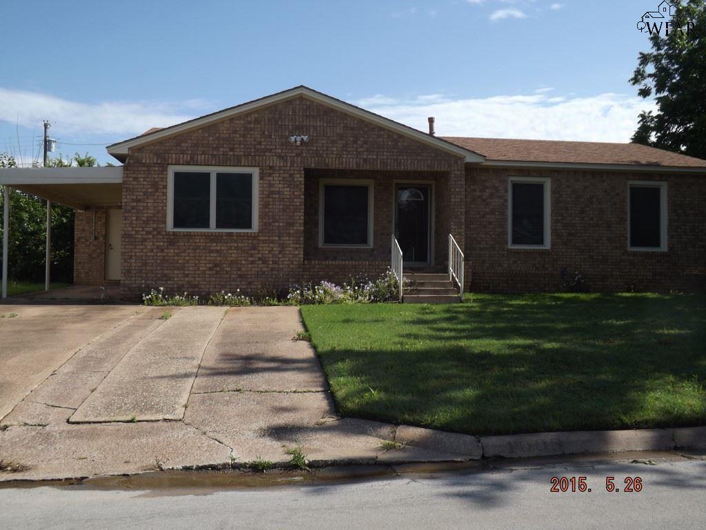 1008 E IKARD STREET, Henrietta, TX 76365
