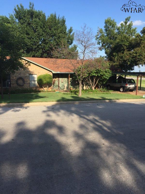 108 N RODGERS STREET, Henrietta, TX 76365