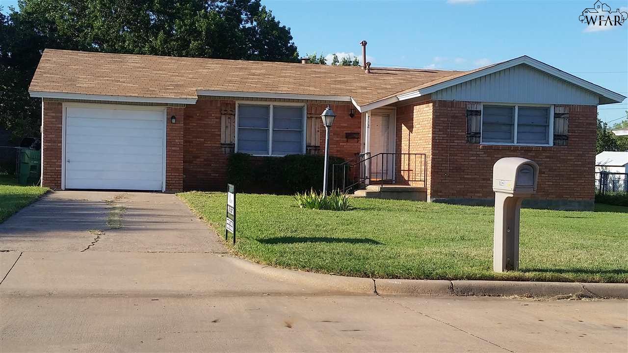 712 W TEXAS AVENUE, Iowa Park, TX 76367