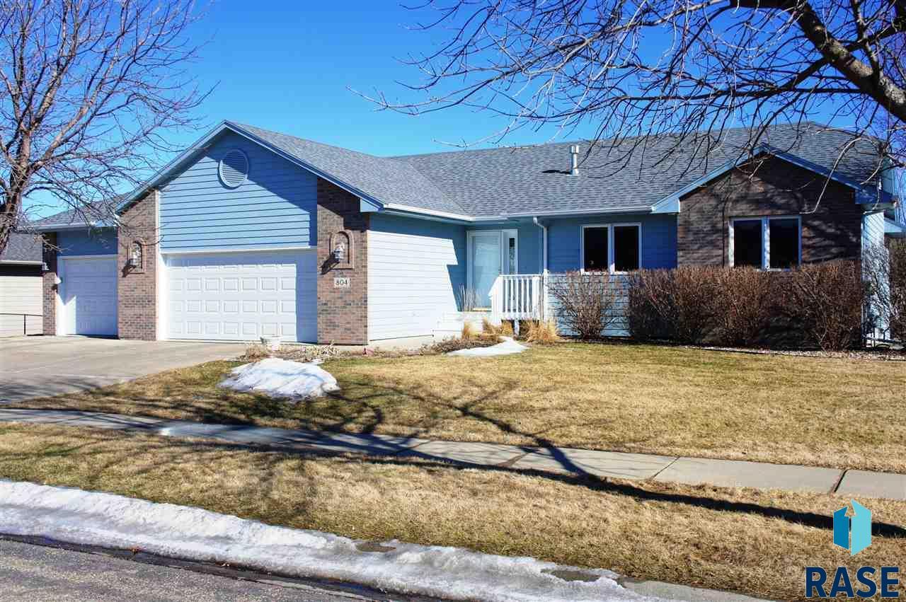 804 S Horizon Ln, Sioux Falls, SD 57106
