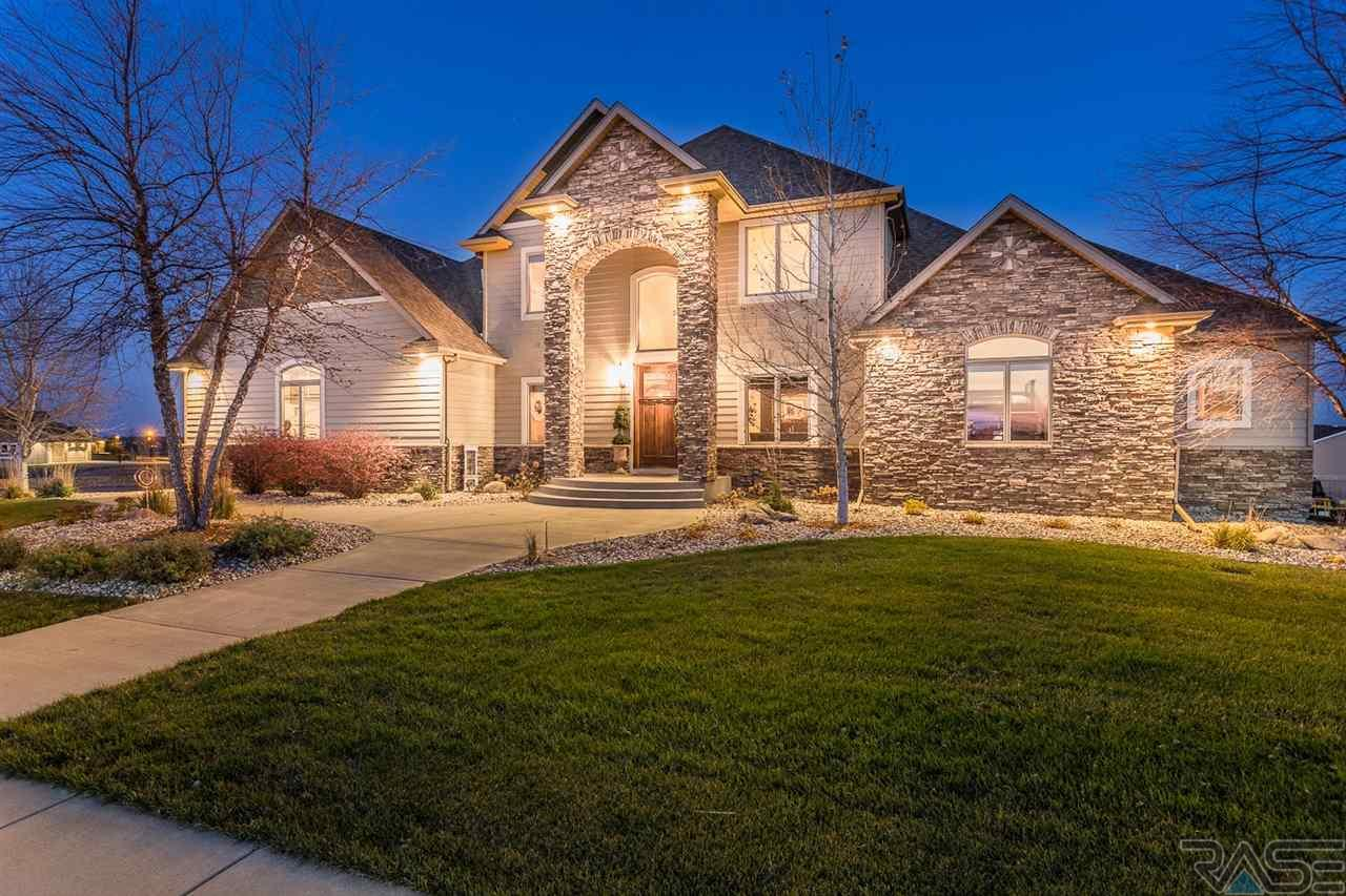 7300 S Shadow Creek Ave, Sioux Falls, SD 57108