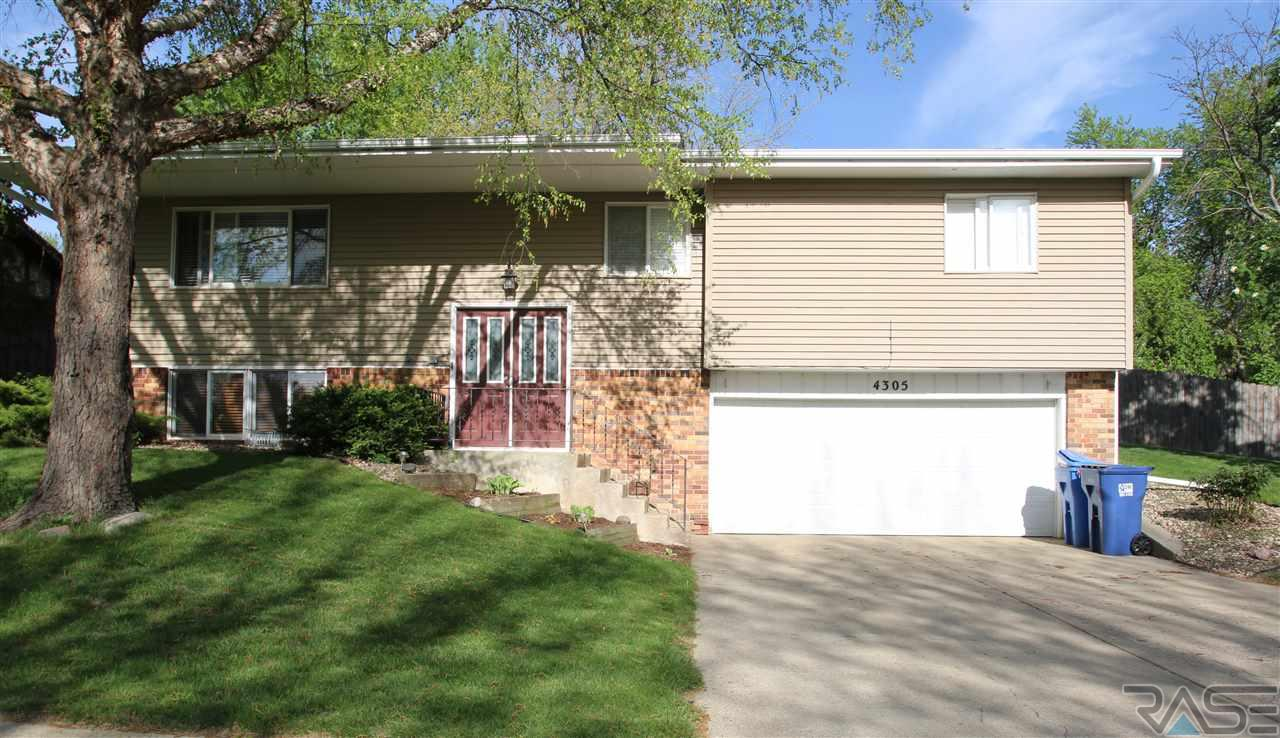 4305 S Briarwood Ave, Sioux Falls, SD 57103