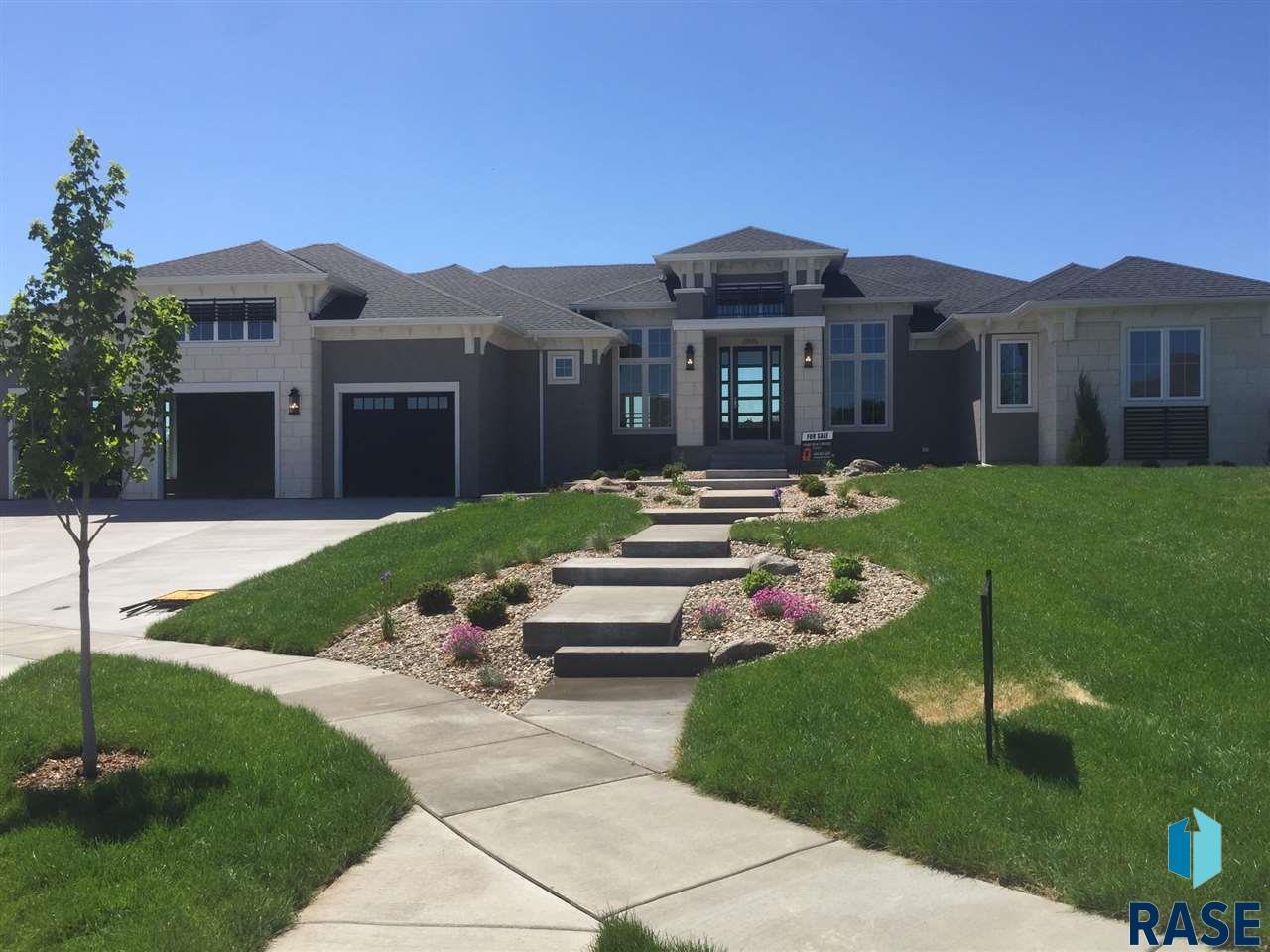 2805 W Leighton Cir, Sioux Falls, SD 57108