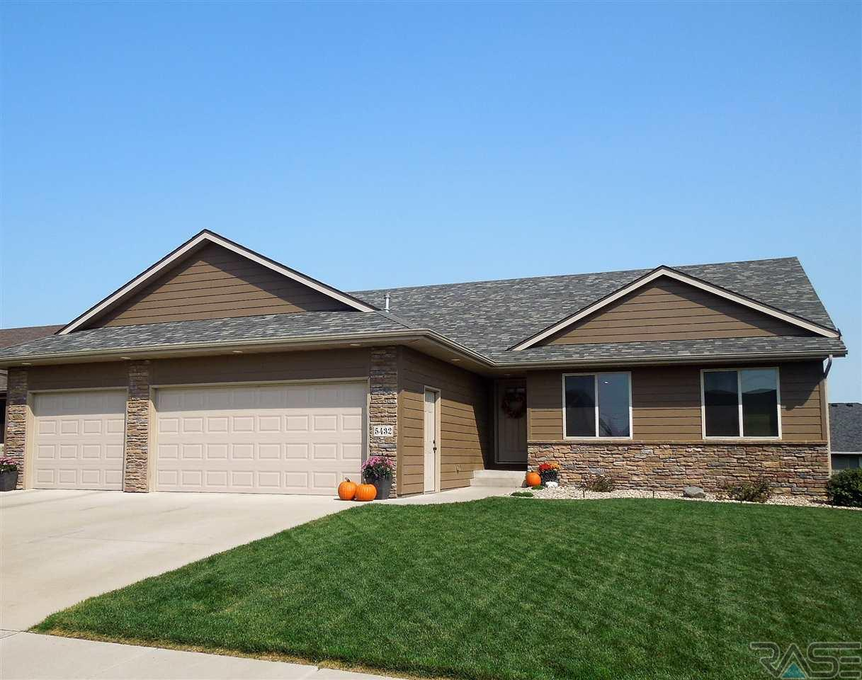 5432 S Westwind Ave, Sioux Falls, SD 57108