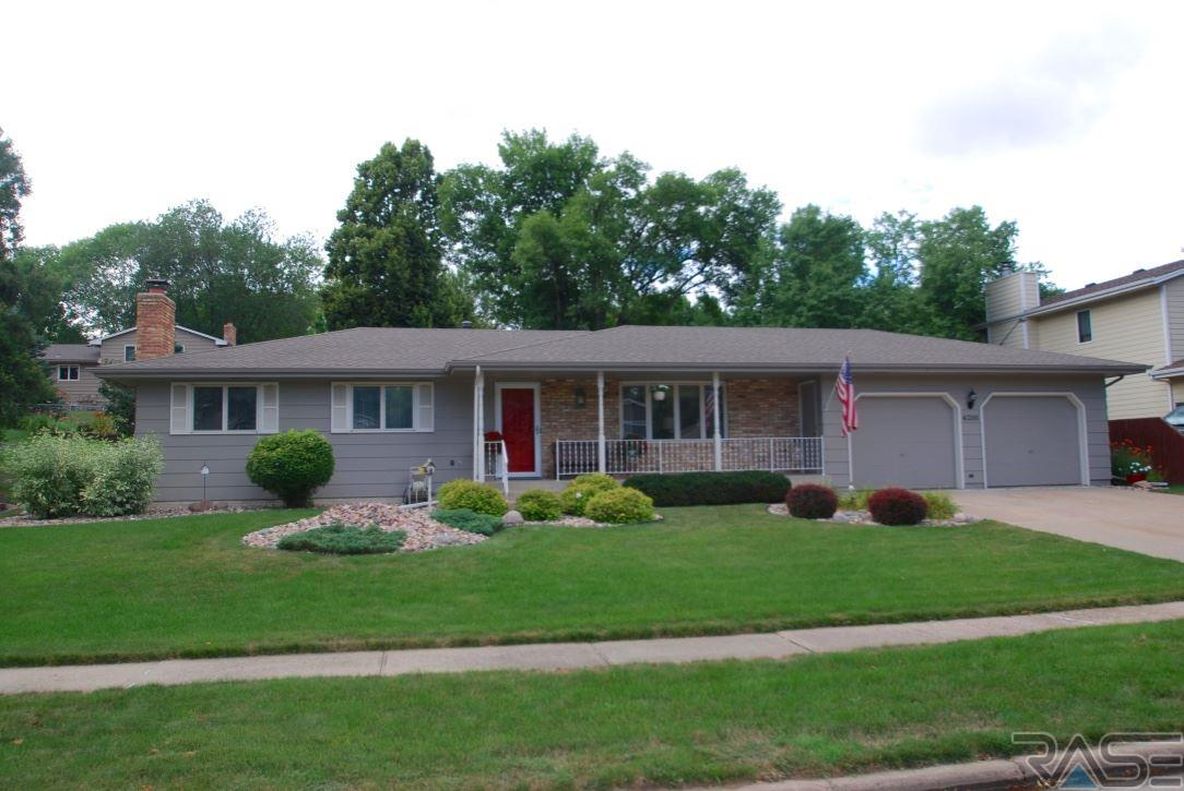 4201 S Teakwood Ave, Sioux Falls, SD 57103
