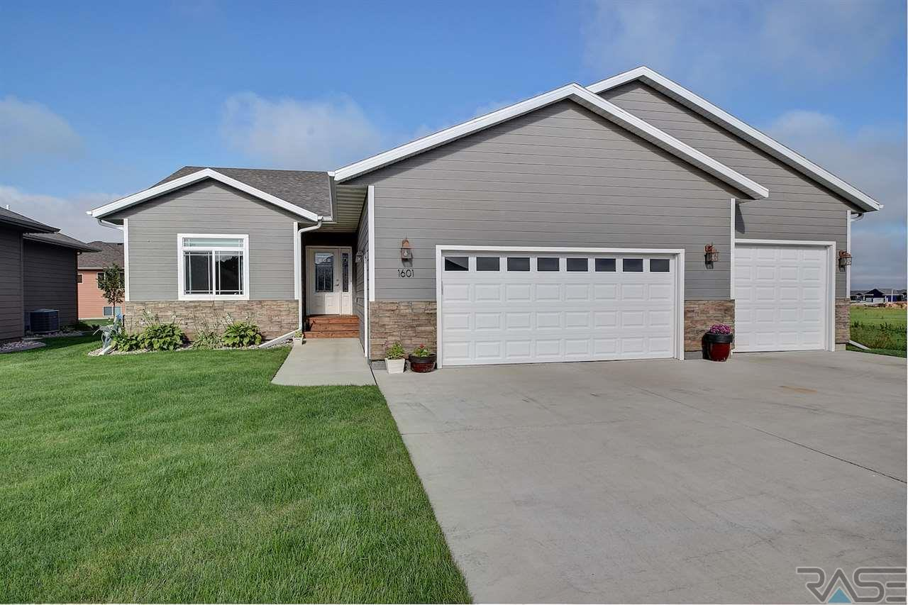 1601 S Kathryn Ave, Sioux Falls, SD 57106