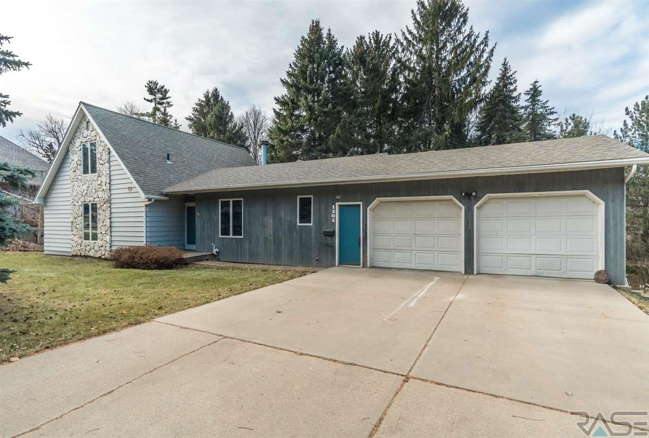 1205 S Elmwood Ave, Sioux Falls, SD 57105