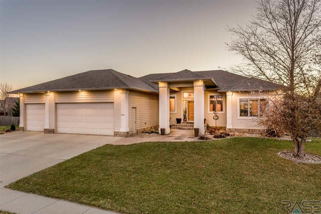7613 W Stanford Dr, Sioux Falls, SD 57106