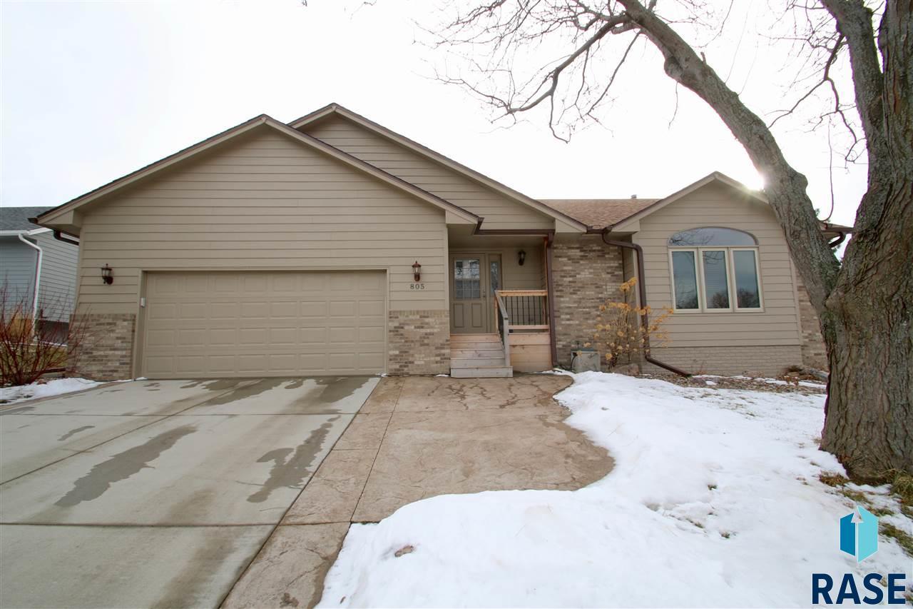 805 E 61st St, Sioux Falls, SD 57108