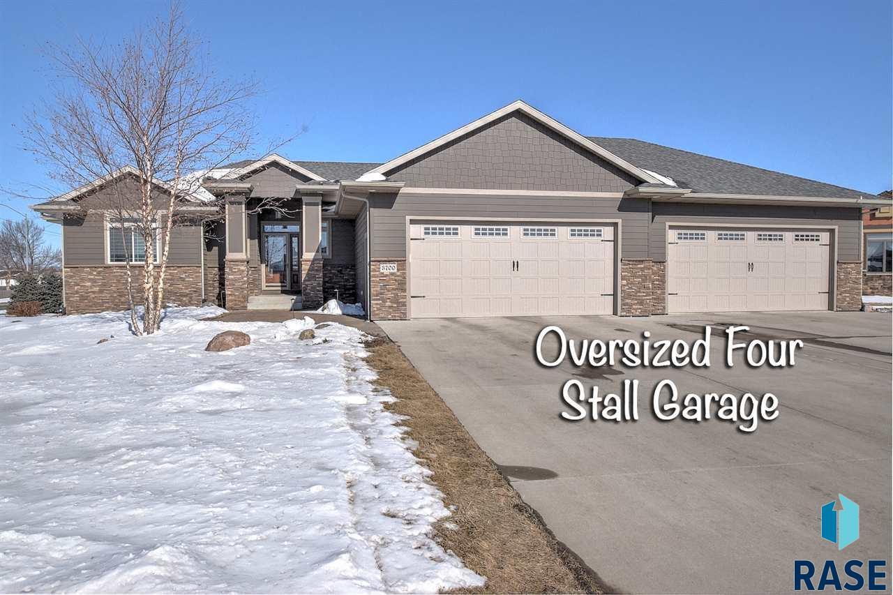 3700 E Wakefield Cir, Sioux Falls, SD 57103