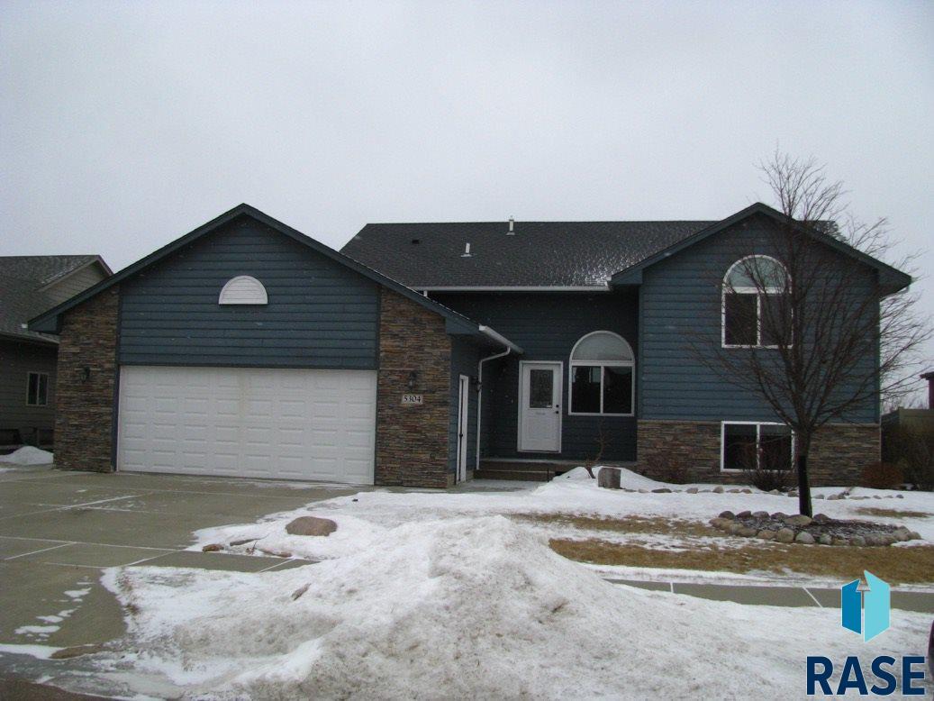 5304 S Culbert Ave, Sioux Falls, SD 57106