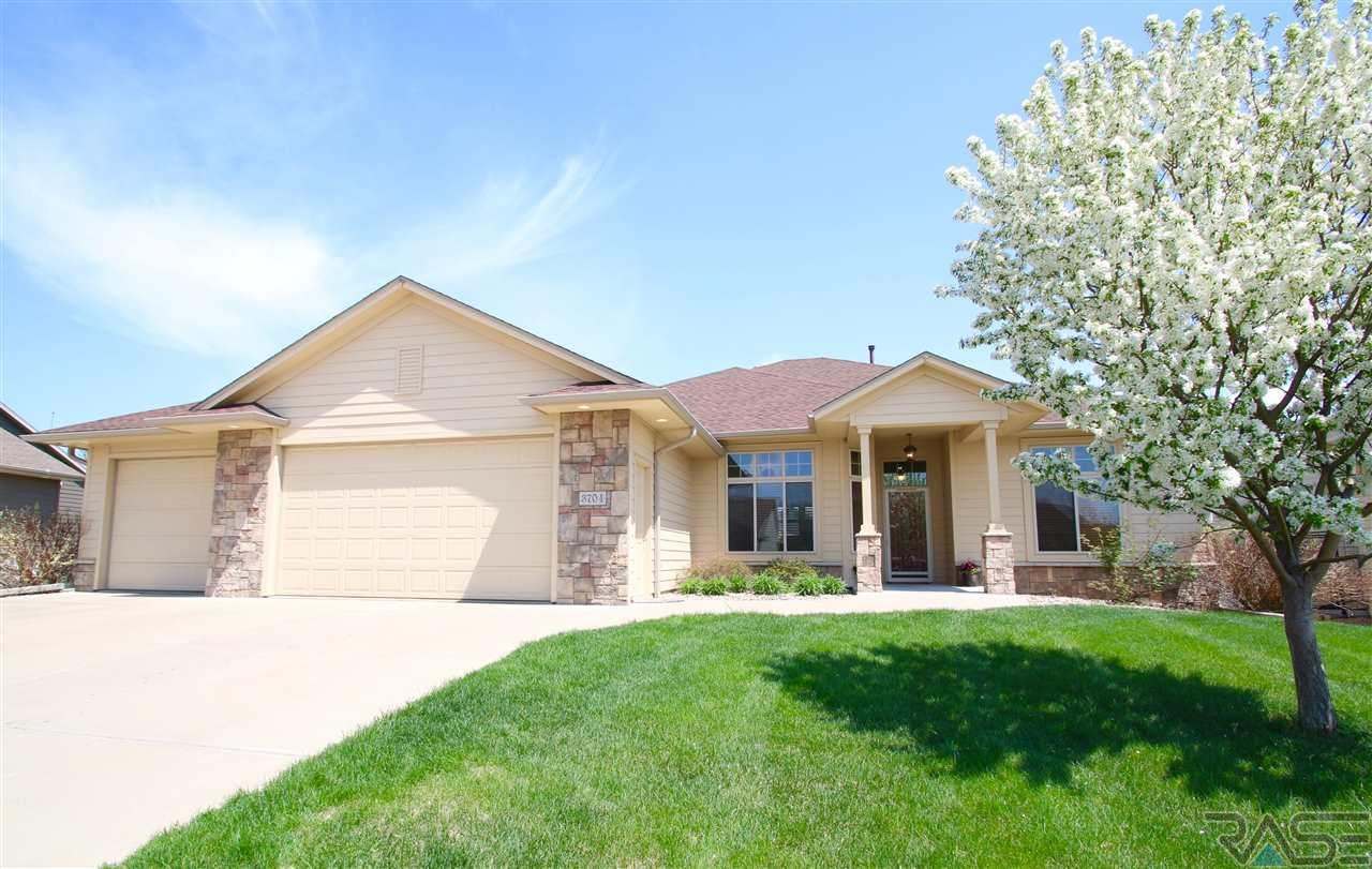 3704 S Camellia Ave, Sioux Falls, SD 57110