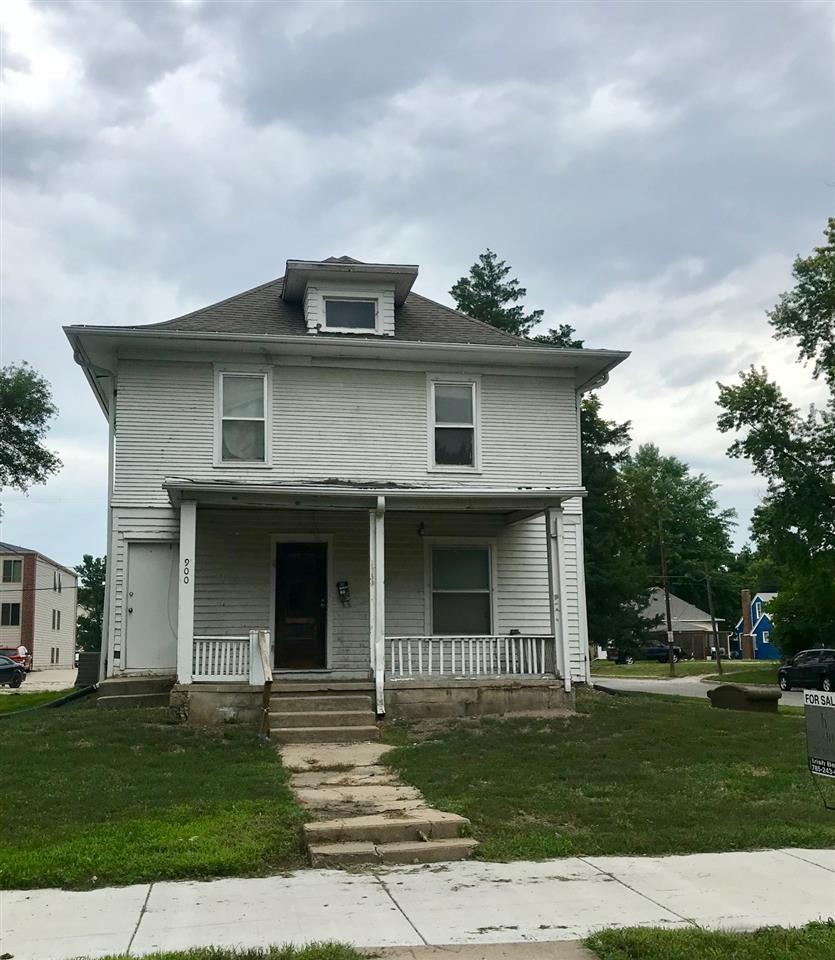 Located in the Multi-Family Redevelopment Overlay District of Manhattan.  This is a rare opportunity to own a lot within walking distance to Kansas State University and Aggieville! This property must be purchased along with 904 Bluemont to create two lots in the M-FRO district!