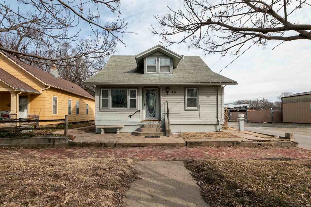 Don't miss out on this GREAT INVESTMENT OPPORTUNITY! This converted, 1.5 story multi-family home has 3 individual rental units for a total of 4 bedrooms and 3 bathrooms. Each unit has had updates recently and has great rental history. Additional photos available upon request. Call/text Jennifer for your personal showing!