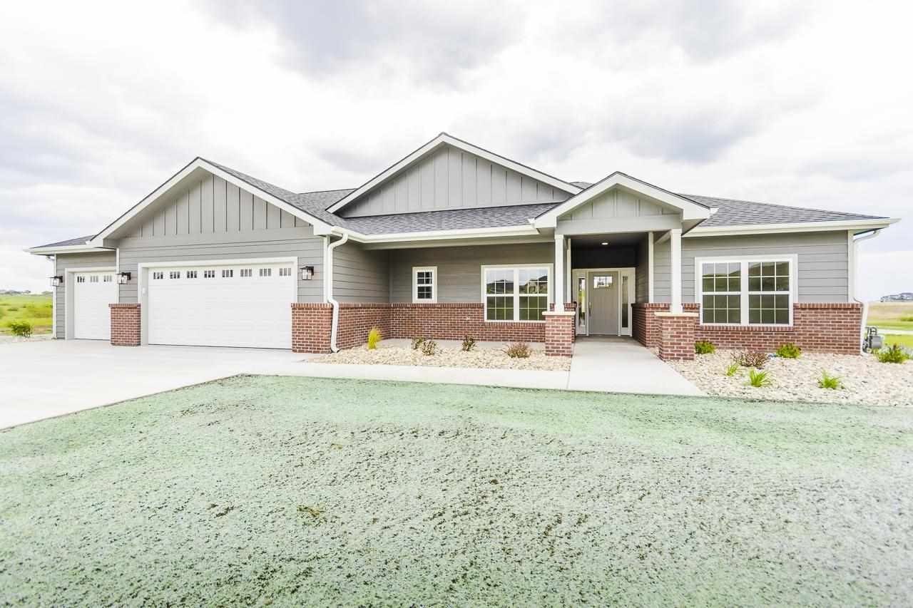 Built by Schultz Construction, this 3-bedroom, 2-bath slab house offers incredible views and excellent craftsmanship. Situated on a cul-de-sac, this single-family house is estimated to be completed late spring.