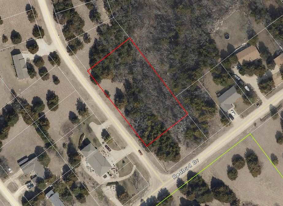 """Large lot near the Tuttle Creek Lake in University Park Subdivision.  I think I have listed your ideal lot at an inexpensive price! You have a blank slate to build your little dream """"gat away"""" cabin or plenty of space to build a bigger home! Call Marlene Irvine today:  785-341-8576"""