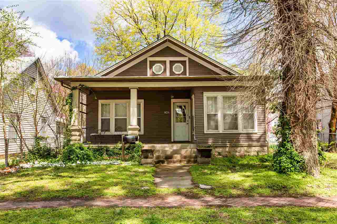 Investment property or live on one side and lease the other side.  The property has two addresses.  822 Colorado (side entrance) is leased until end of May 2021 @ $580/month.  826 Colorado (entry off the front porch) is leased until end of Augurst 2021 @ $580/month.  Great investment opportunity with a downtown location. Close to schools, shopping and dining. Large backyard with off-street parking. The garage is leased month to month for $40/month.  Photos for 826 were taken by the Property Manager prior to a tenant moving into the house.  Contact Eileen or Marc for lease information.