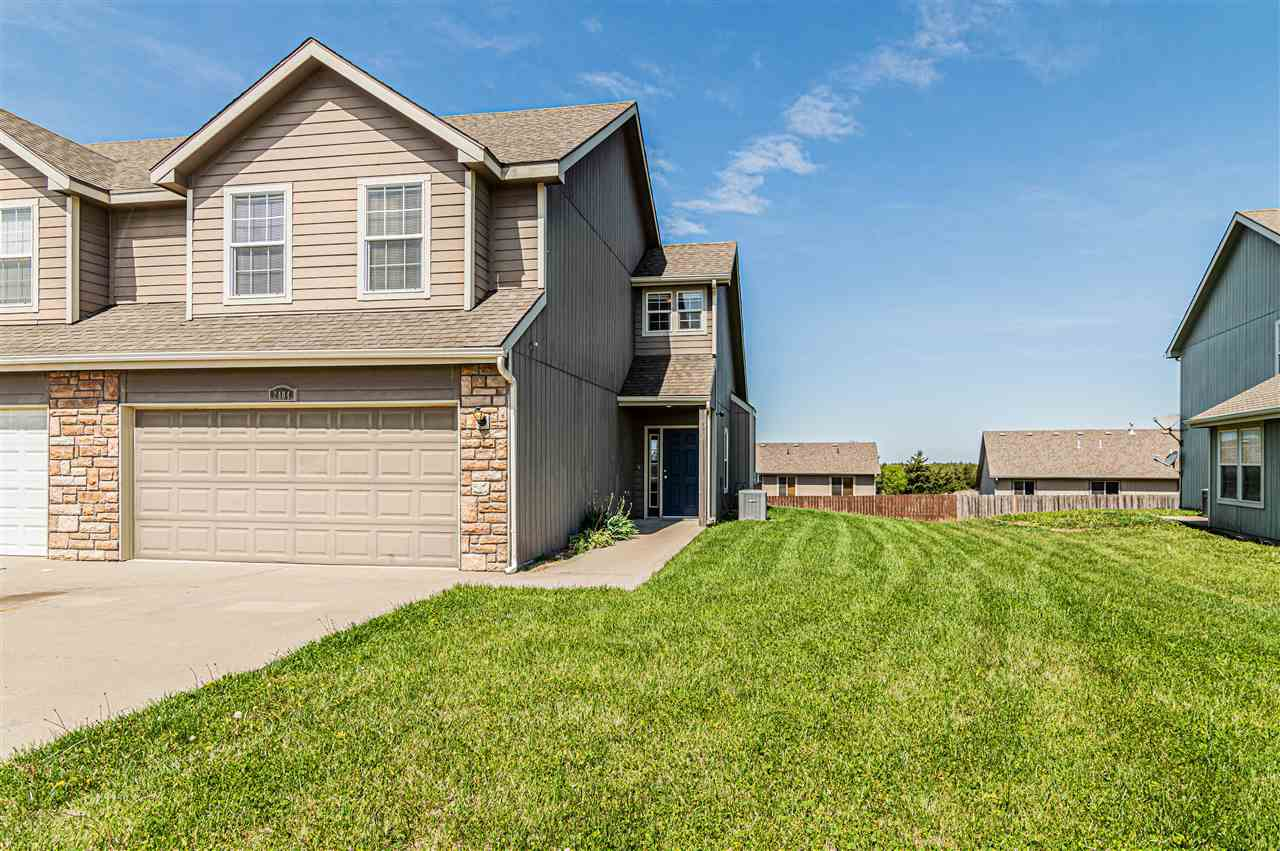 This beautiful 3 bed 2.5 bath, 2 car garage townhouse is perfectly located. This home has been well maintained and would be perfect for a first home or investment. Call Jatera Grayson for a private tour 405.513.0286.