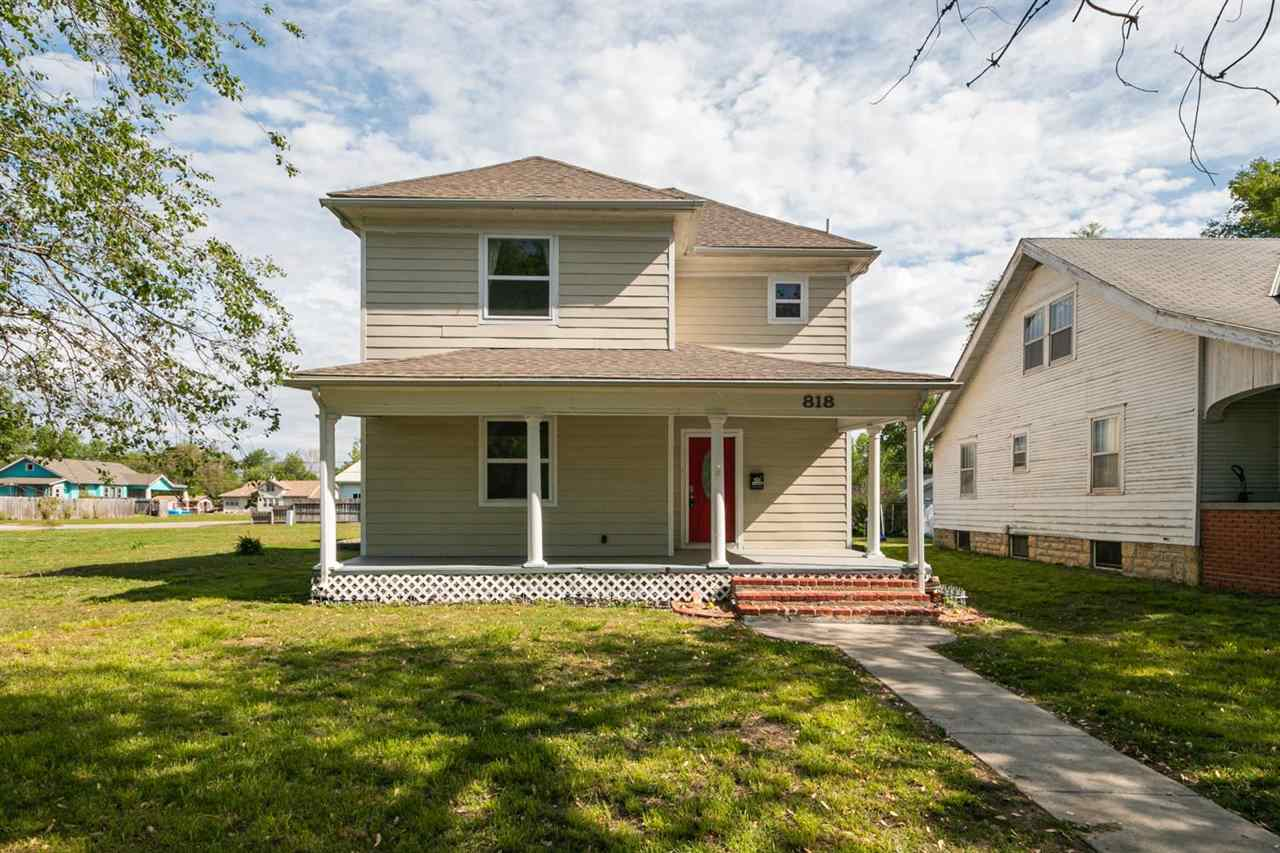 """BEAUTIFUL, LIKE NEW HOME IN HERINGTON!  THIS 3 BED, 2.5 BATHROOM HOME HAS BEEN COMPLETELY UPDATED.  BRAND NEW CARPET, FRESH PAINT, UPDATED APPLIANCES, WATER SYSTEM, BUILT IN WALL SAFE - AND MUCH MORE!  EASY COMMUTE TO FORT RILEY.  THIS LISTING IS A """"MUST-SEE!""""    TO SCHEDULE YOUR PERSONAL TOUR, CALL AMANDA BACON @ 530-913-8220."""