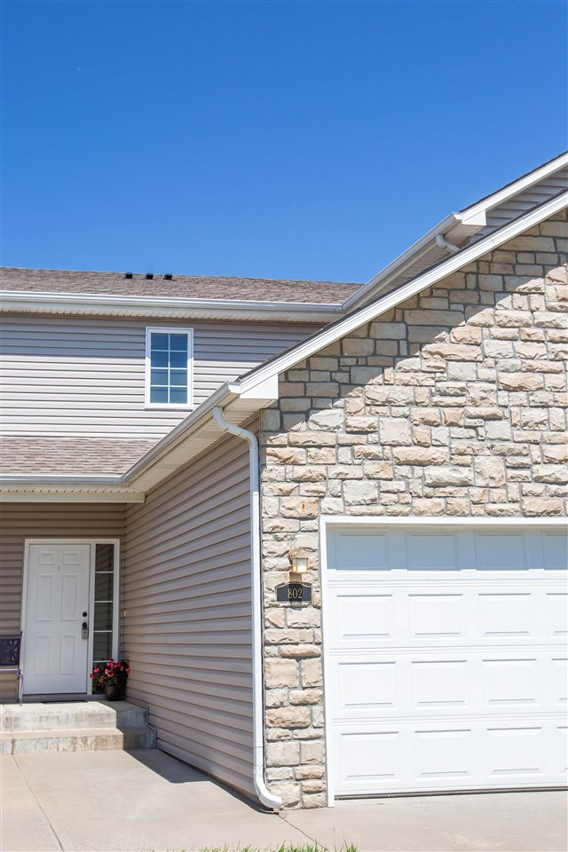 Welcome home to this cozy two bedroom townhome! This home features two large bedrooms, an unfinished walkout basement with so much potential, great location, a community pool and so much more. Give me a call today before it's gone!