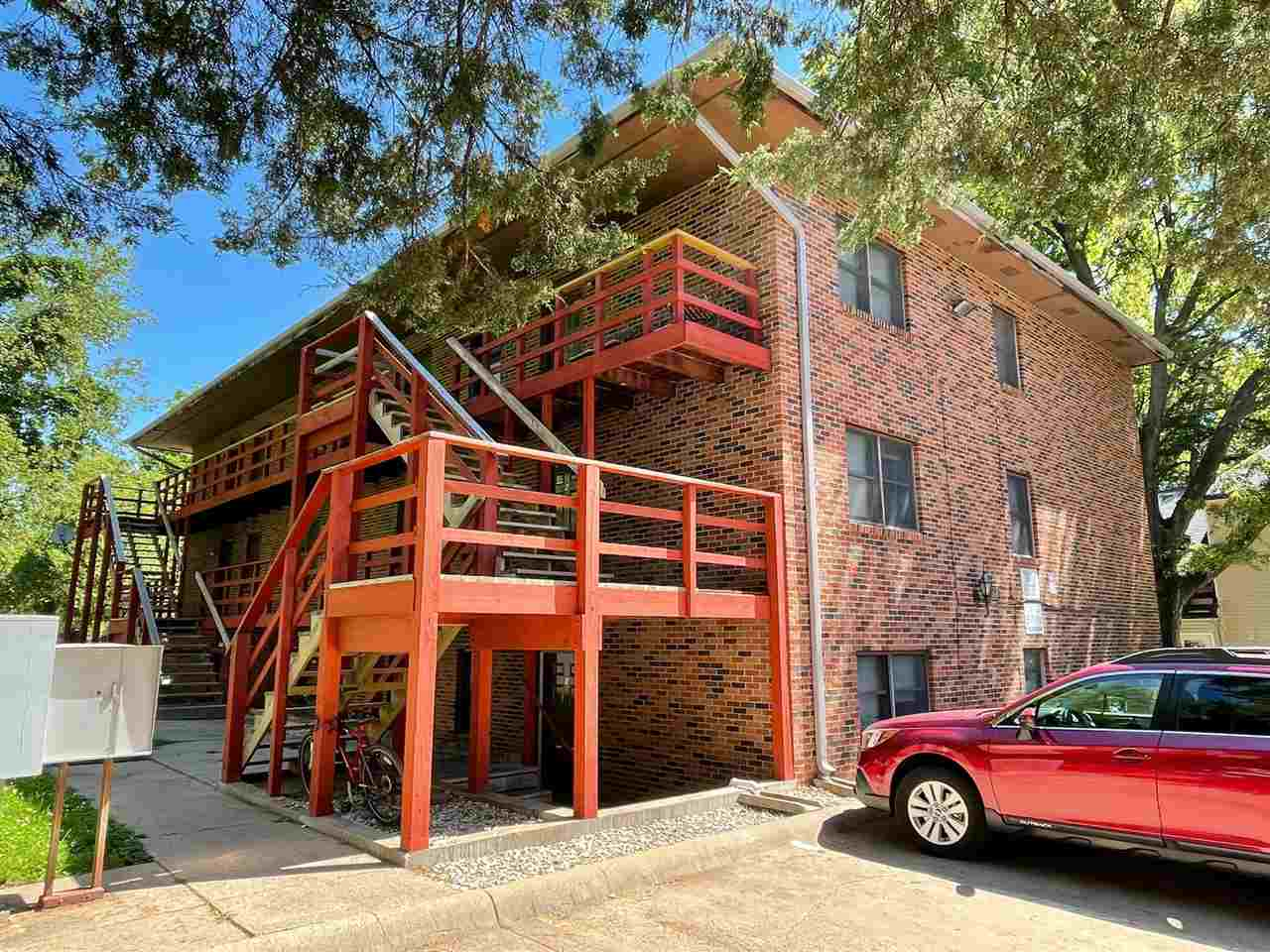 All brick 9 plex featuring 3 bedroom 1.5 bath units.  Current gross annual income is $101,520.  Priced at 7% CAP rate with estimated 65% NOI.