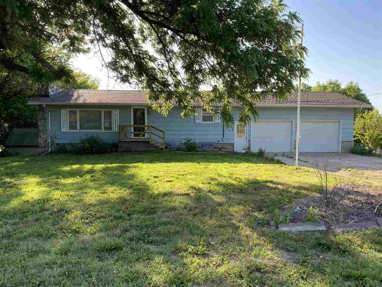 Enjoy country living minutes from Manhattan and in the Riley County school district.  This ranch 4 bedroom, 2 bath home boasts plenty of living area with a walk out basement on over an acre and half.  Contact Lori Rogge at 785 556 7162 to tour today!