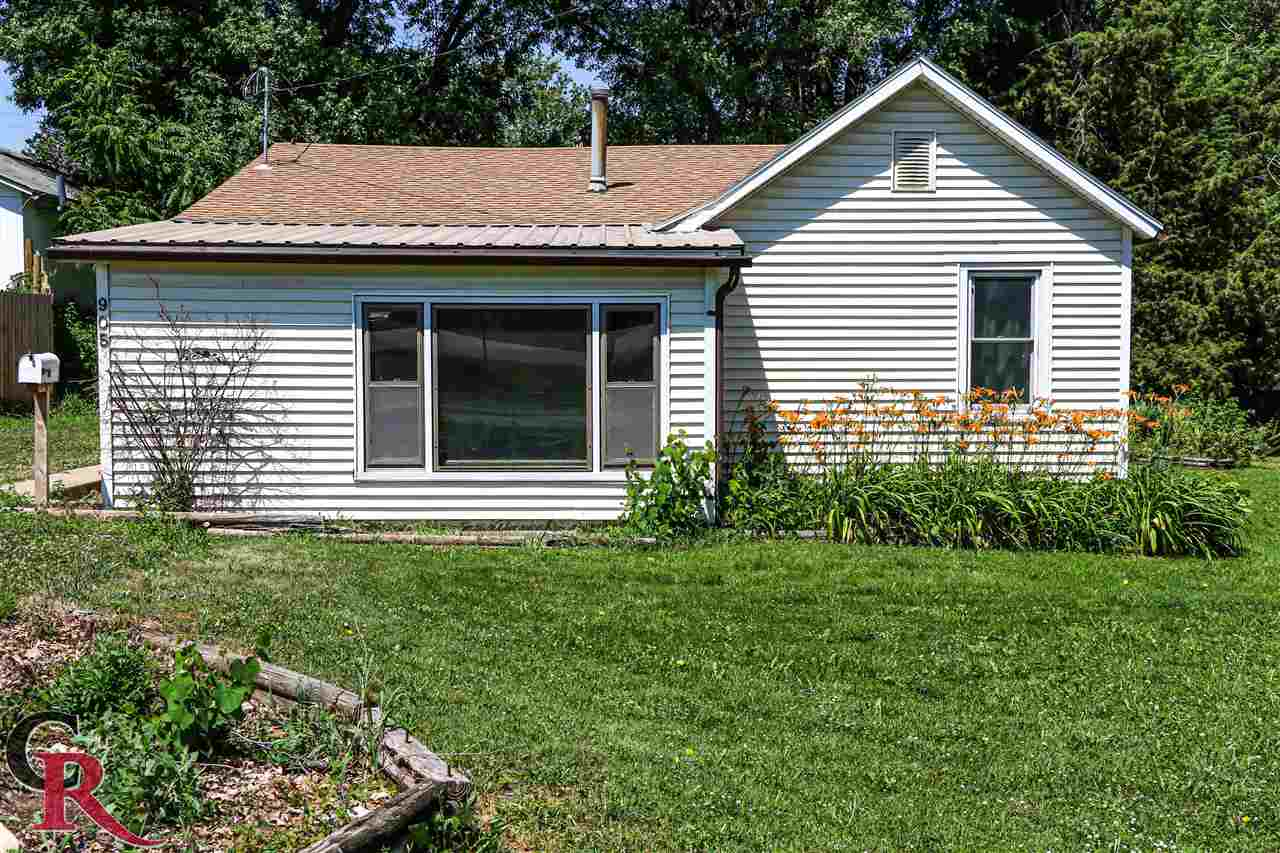 Location, location, location! Check out this charming 3 bedroom, 1 bath home in Wamego. Walking distance to the high school, grocery store, gas station and much more! This house is truly a must see to understand how cute and homey this property is. Call Jess Hollenbeck at 605-890-0895 for more information or a showing.