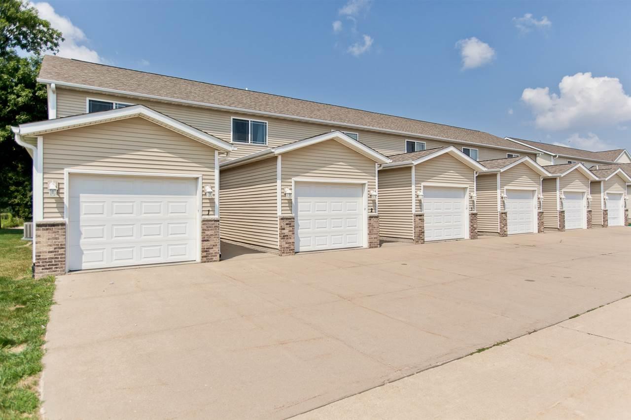 5907 Muirfield Dr Sw 2 Cedar Rapids Iowa Urban Acres Real Estate