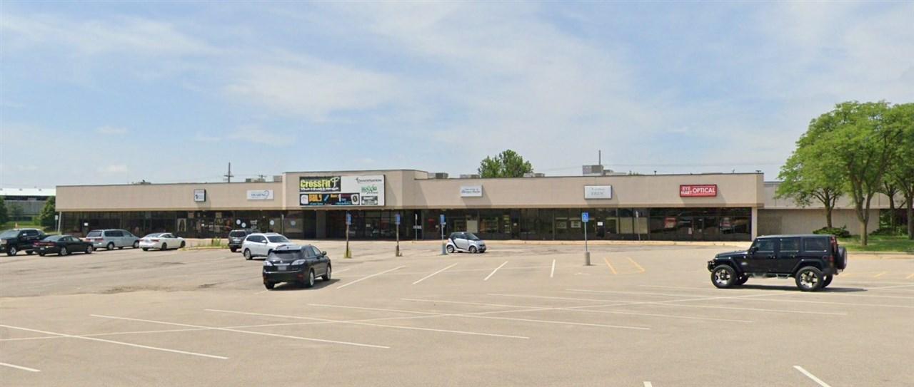 2738-2760 Edgewood Rd SW, Cedar Rapids, IA 52404