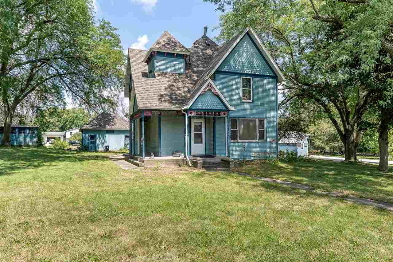 431 Hickory St E, Riverside, IA 52327