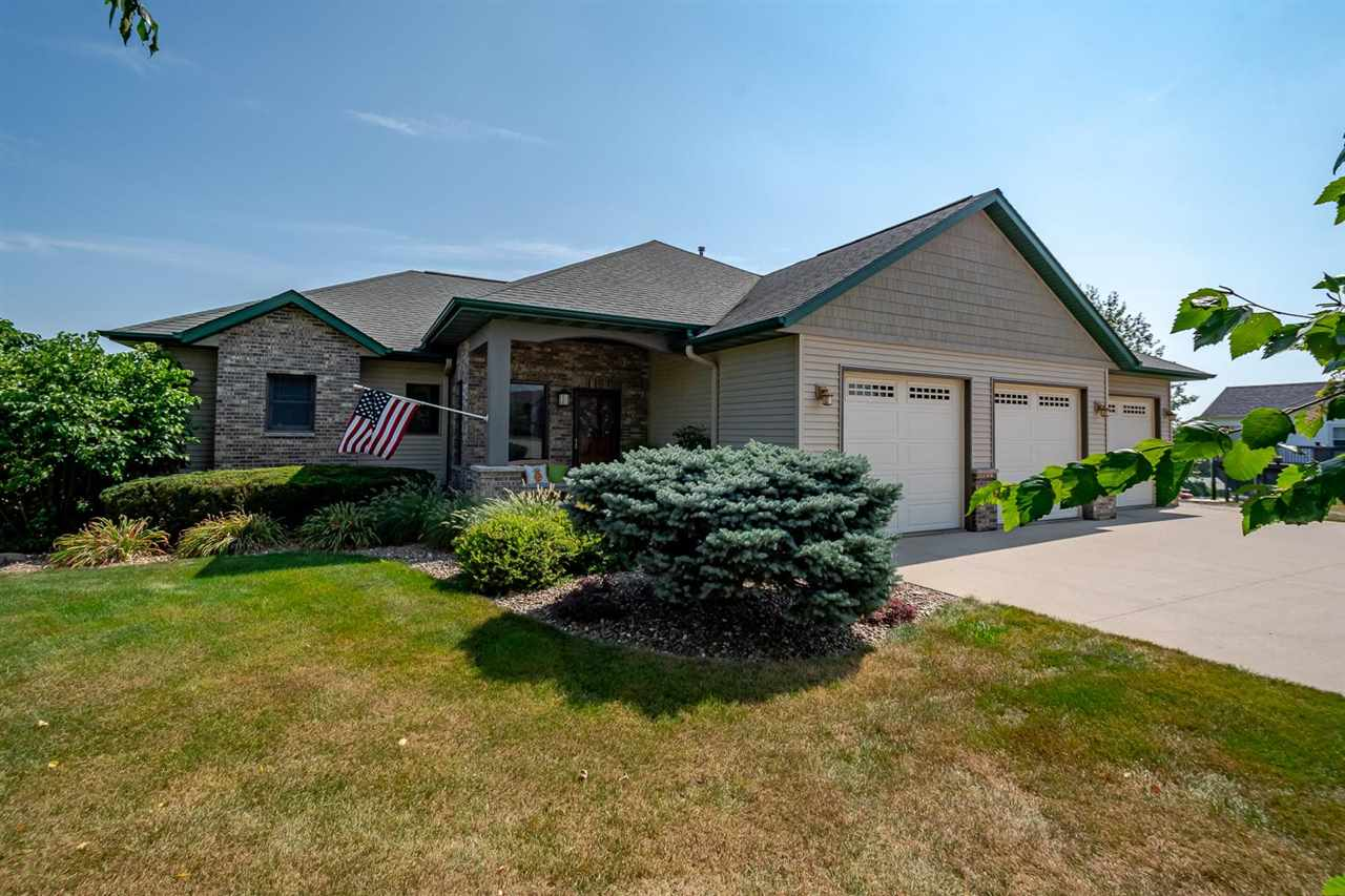 3128 East View Circle Dr, Riverside, IA 52327