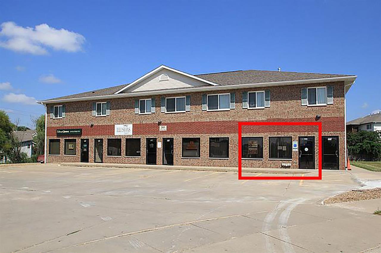 209 Scott Ct, Iowa City, IA 52245