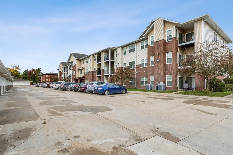 600 Grandview Ct Unit 621, Iowa City, IA 52246
