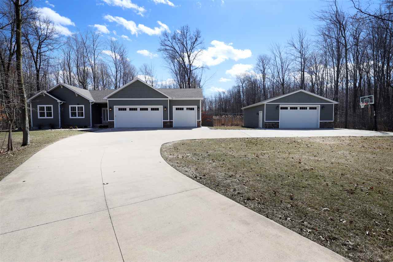 Property for sale at 2202 E Ashby Rd, Midland,  MI 48640