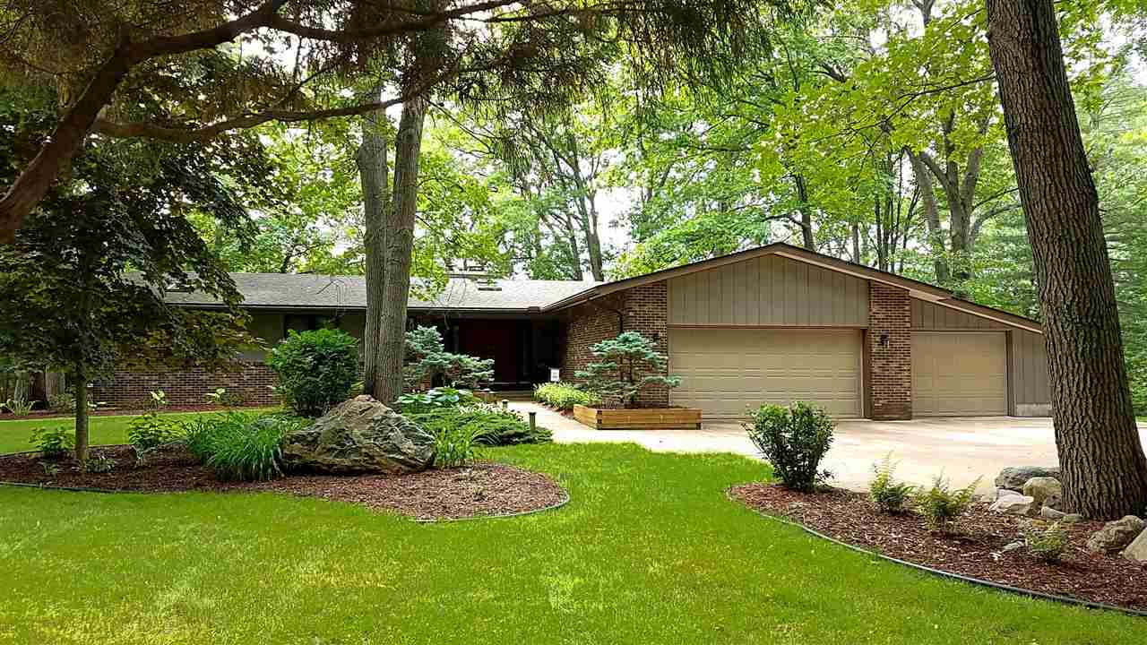 Property for sale at 892 Crooked Tree Lane, Midland,  MI 48640