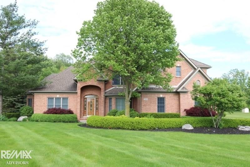 Peachy Residential Condo For Sale In Richmond Michigan 31382312 Home Interior And Landscaping Ologienasavecom