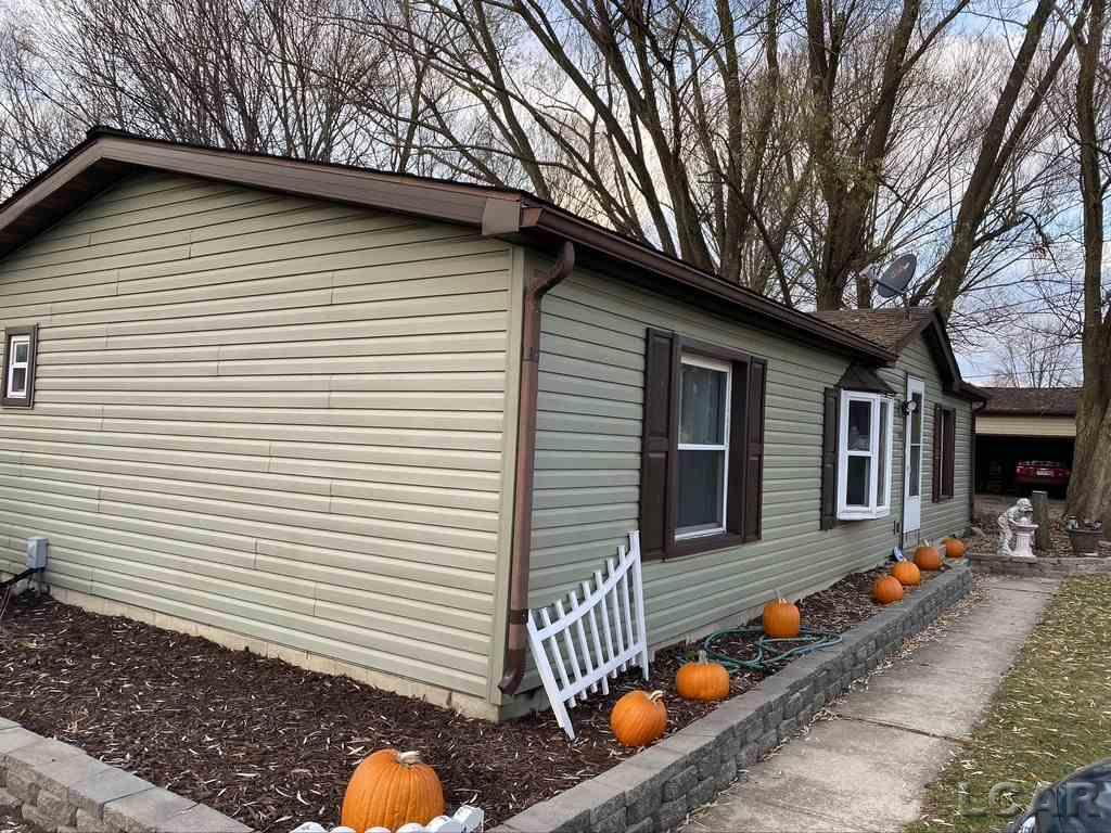 908 Bradish, Adrian, Michigan 49221, 3 Bedrooms Bedrooms, ,2 BathroomsBathrooms,Residential,For Sale,Bradish,50029833