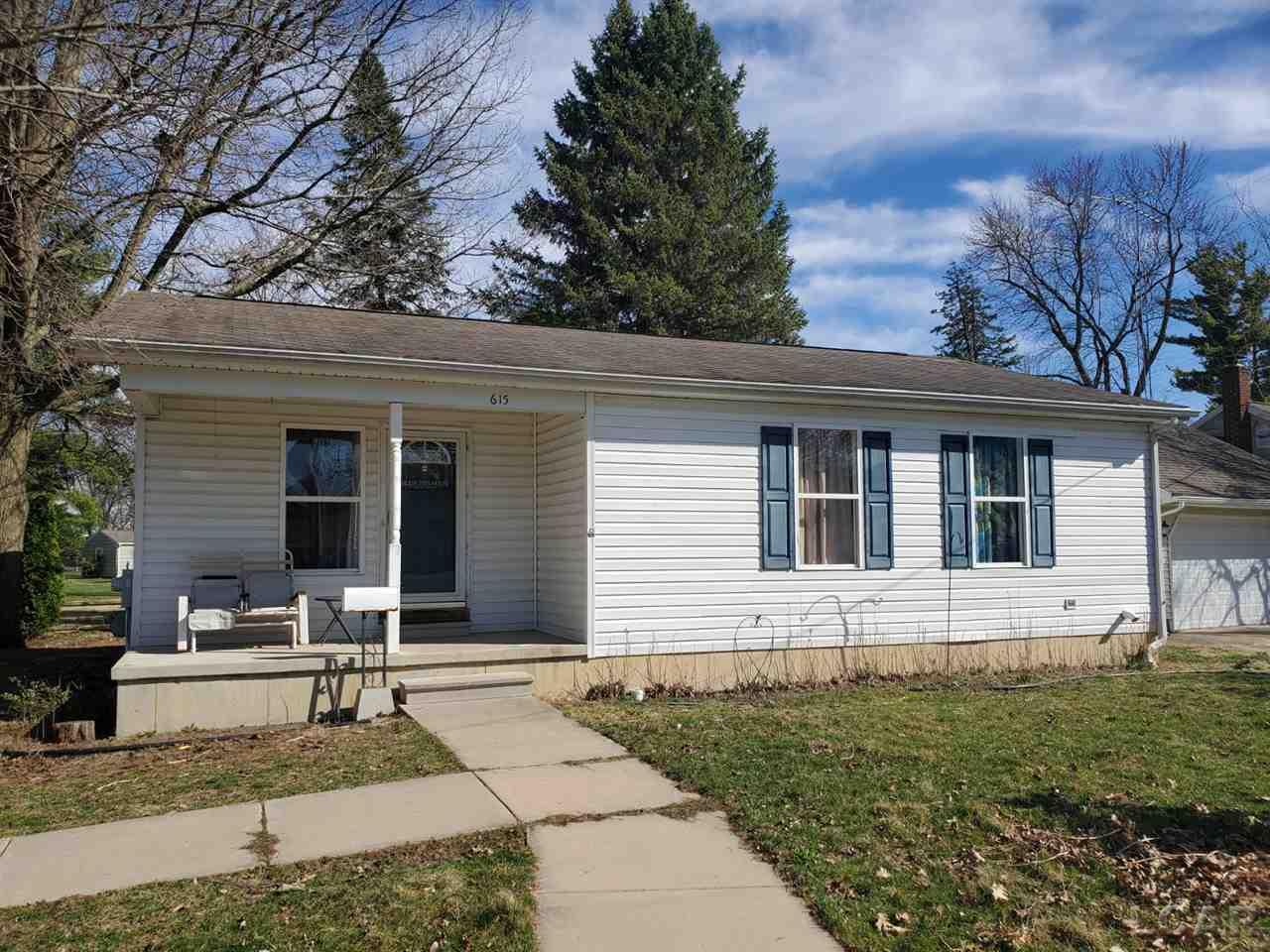 615 Giles Ave., Blissfield, Michigan 49228, 3 Bedrooms Bedrooms, ,1 BathroomBathrooms,Residential,For Sale,Giles Ave.,50032357