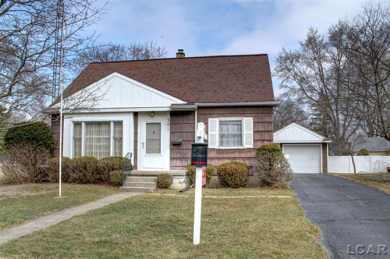 301 Herrick Park Dr, Tecumseh, Michigan 49286, 3 Bedrooms Bedrooms, ,1 BathroomBathrooms,Residential,For Sale,Herrick Park Dr,50032399