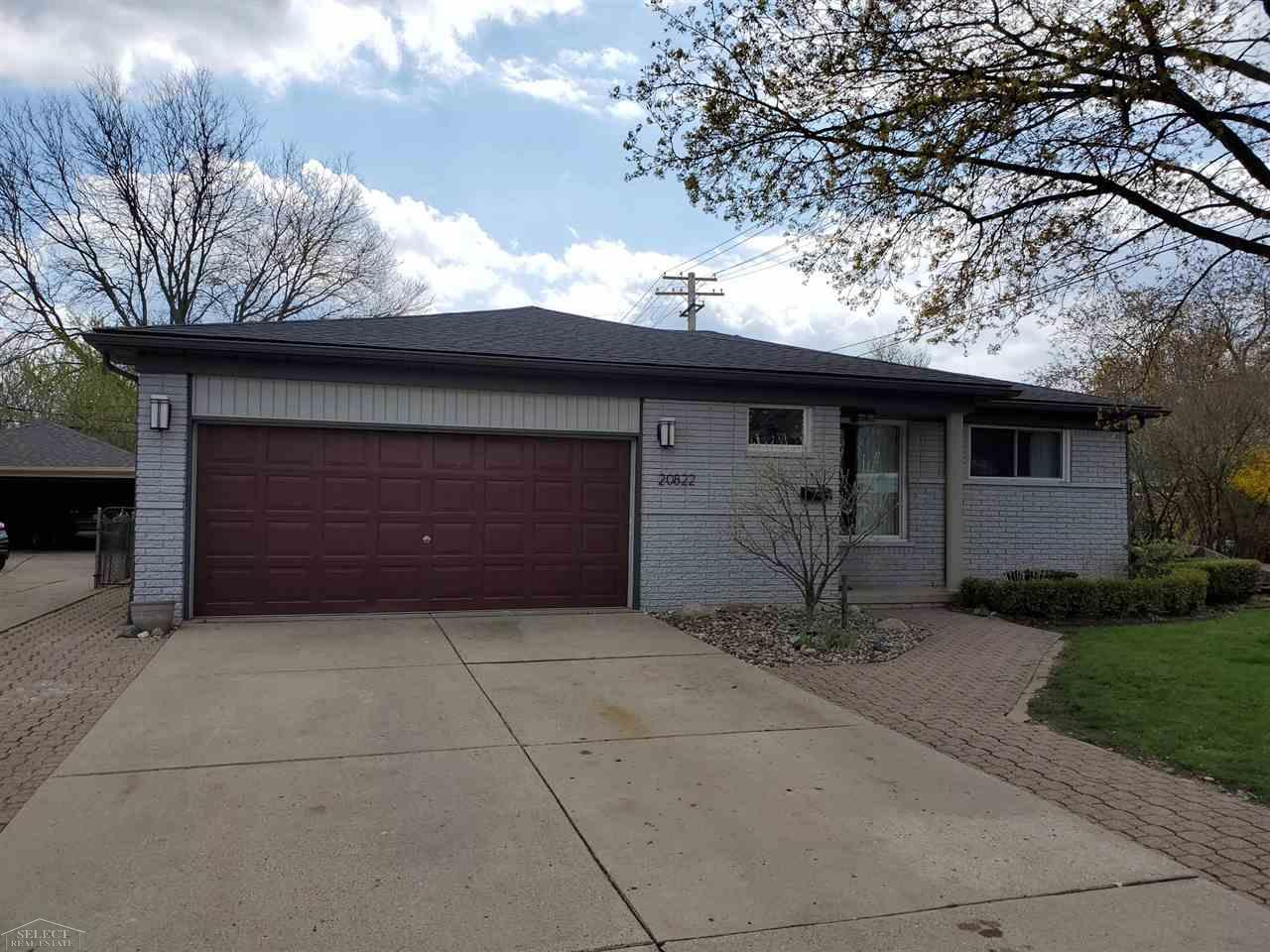 Beautiful Ranch with a large kitchen and dining area great for entertaining guests. With a beautiful back yard with lots of space to barbeque and have fun in the sun. With two bedrooms and one an a half bath you cant go wrong with this beauty.  Won't last long!