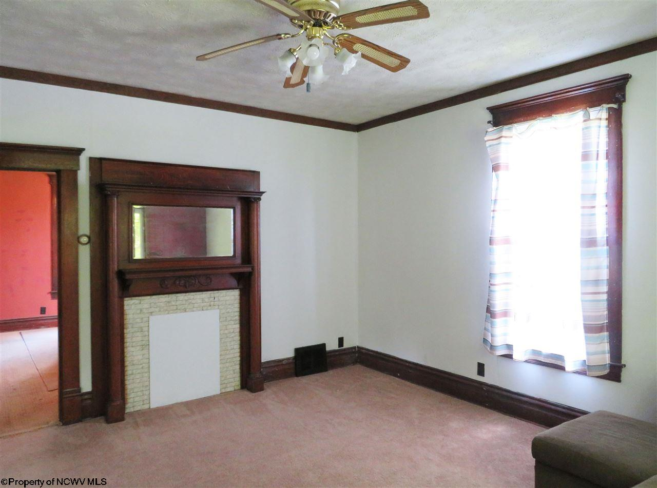 215 HAMPTON ROAD, FAIRMONT, WV 26554  Photo 8