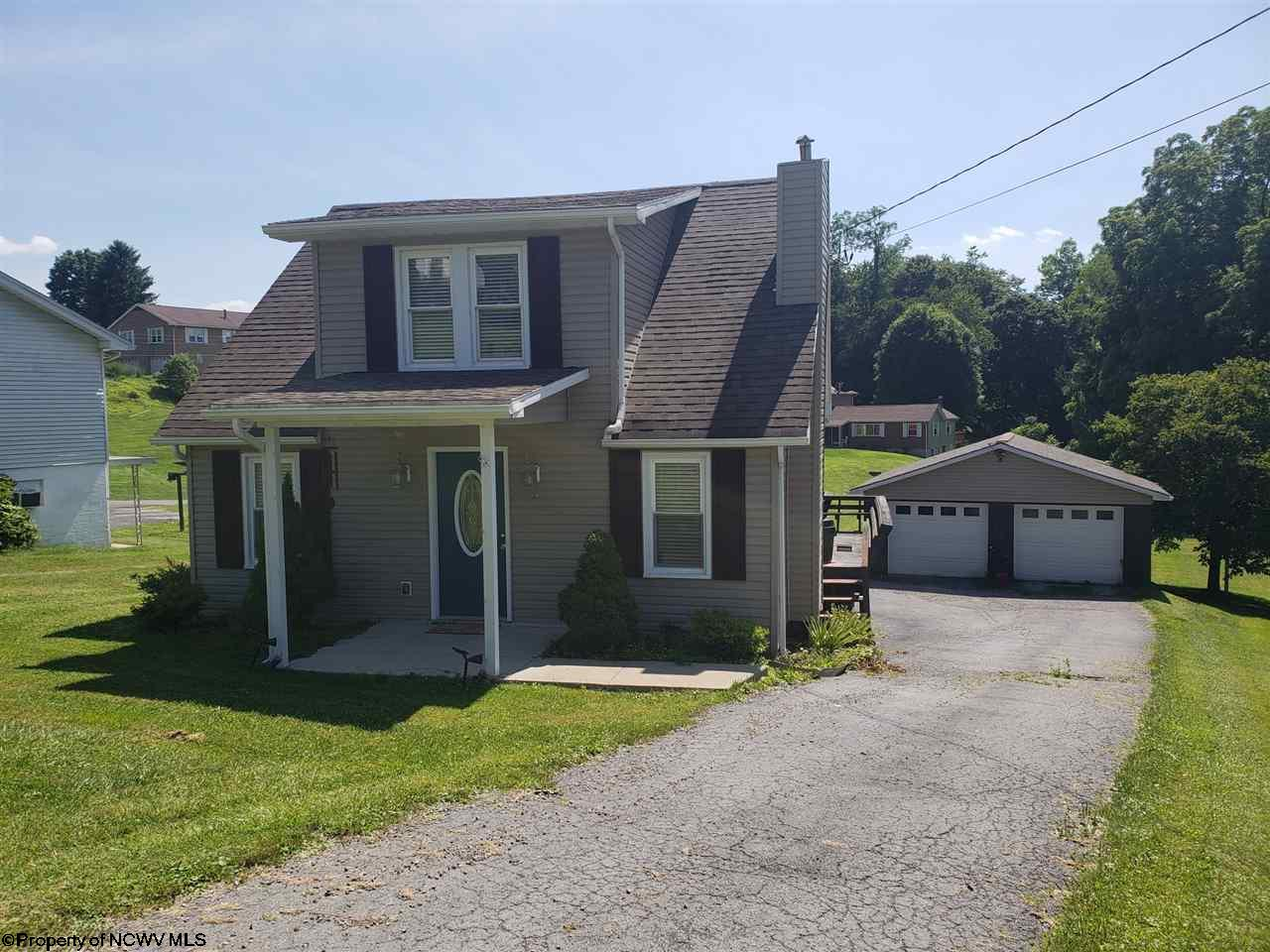 3172 FAIRMONT AVENUE, FAIRMONT, WV 26554  Photo 1